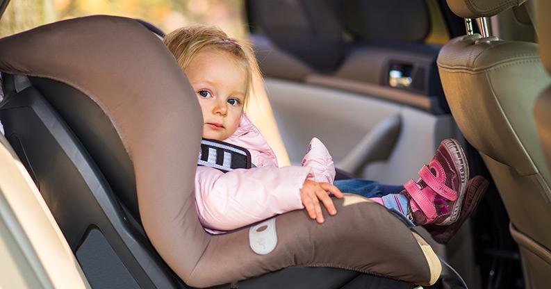 Kindersitz fürs Auto – so fährt der Nachwuchs sicher mit