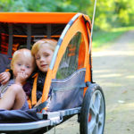 Wie sicher fahren Kinder im Fahrradanhänger?