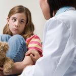 Sechs Tipps, wie Kinder die Angst vor dem Arzt verlieren