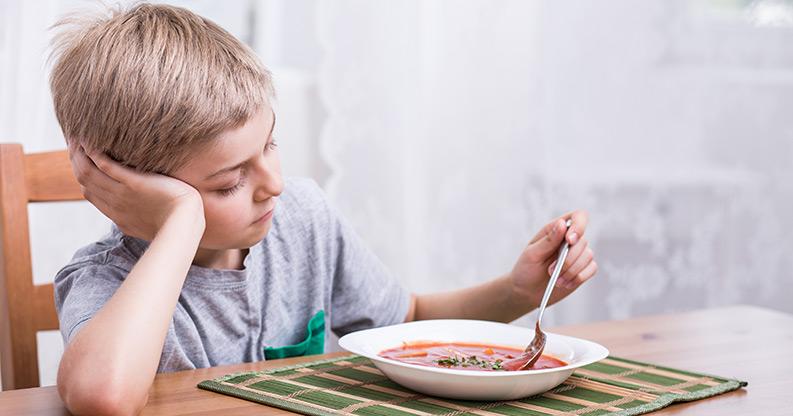 Was tun, wenn Kinder beim Essen nur nörgeln?